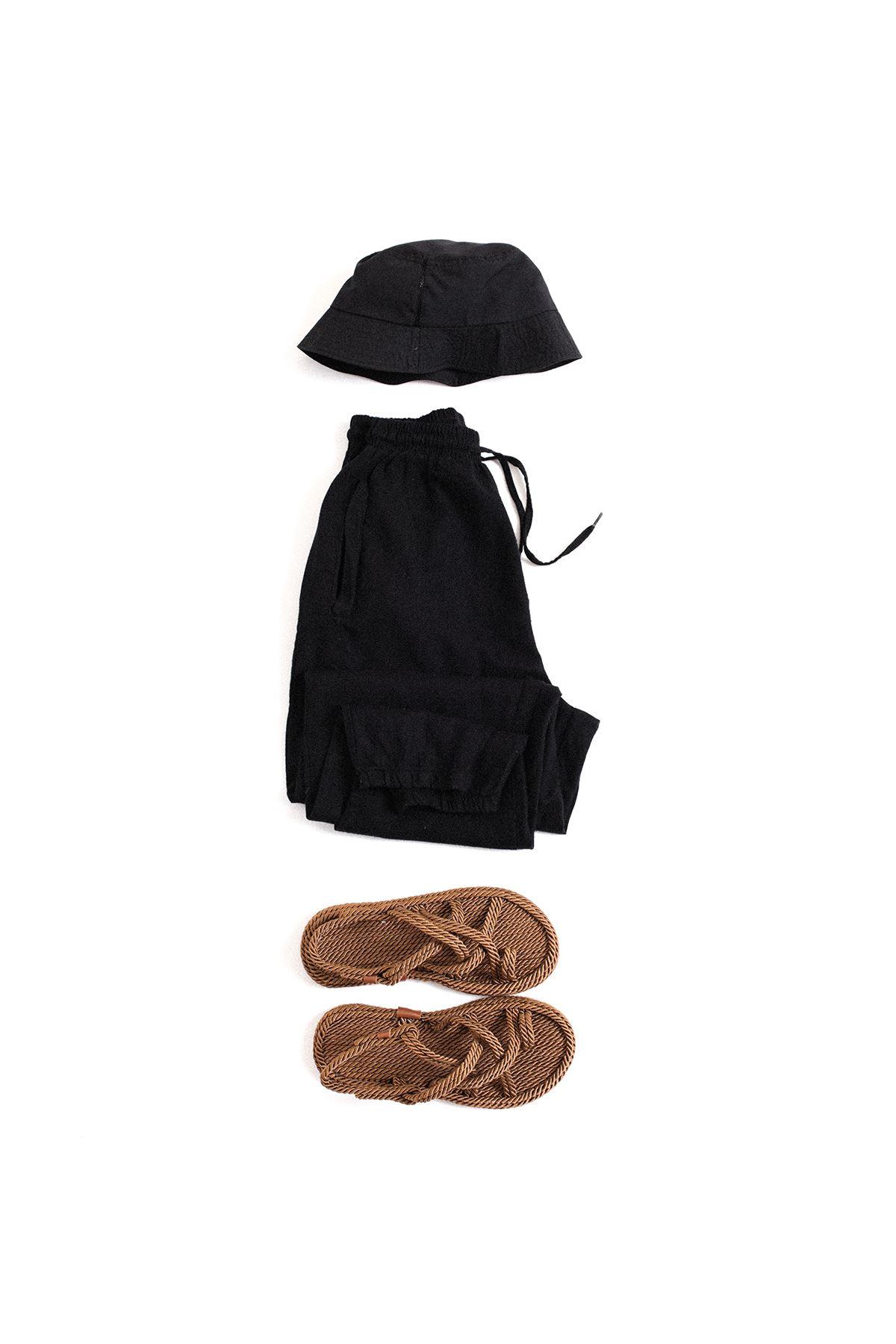 Safari Kahverengi Sandalet Siyah Jogger Kombin