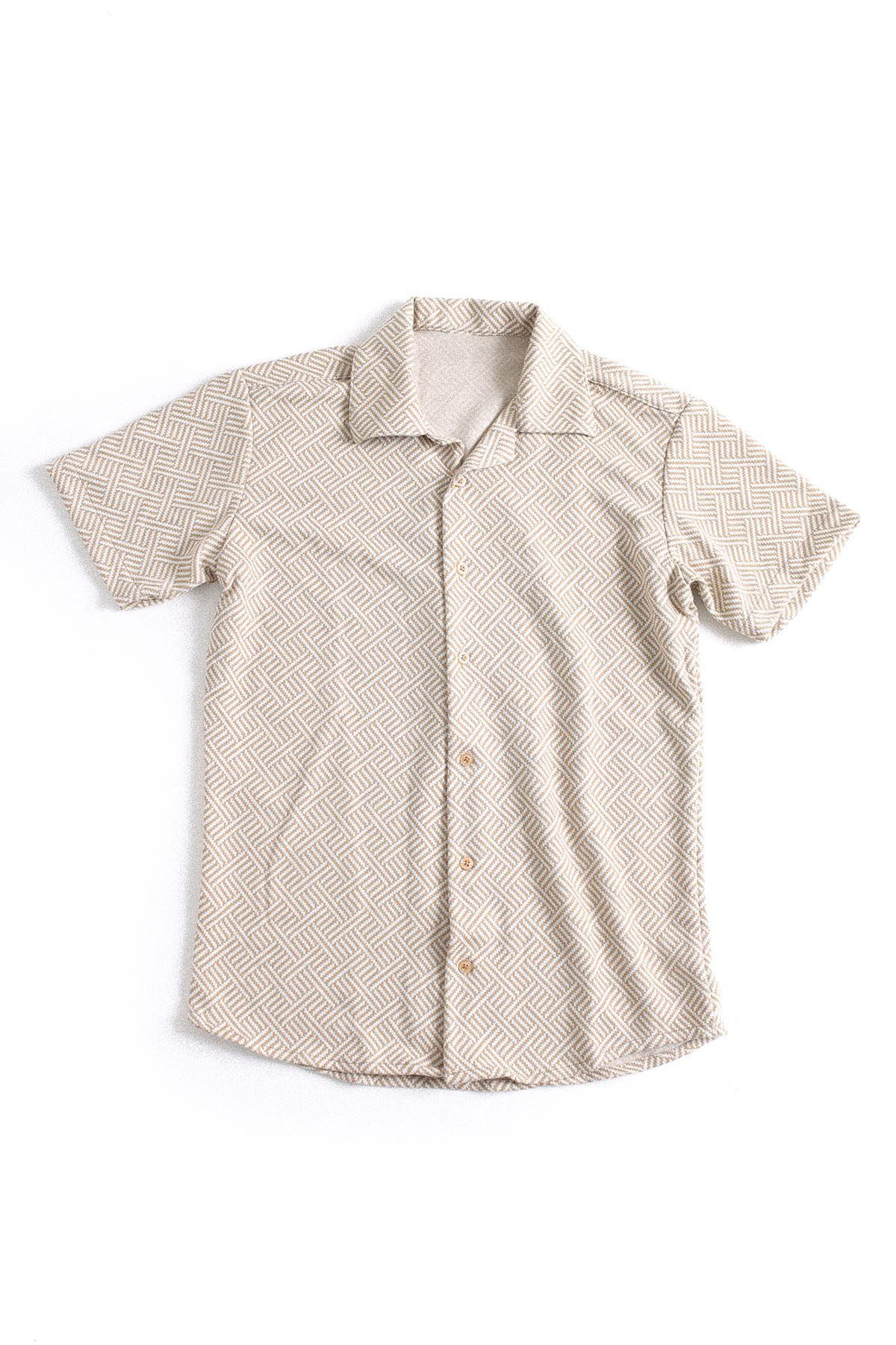 Kahve Beyaz Triko Gömlek