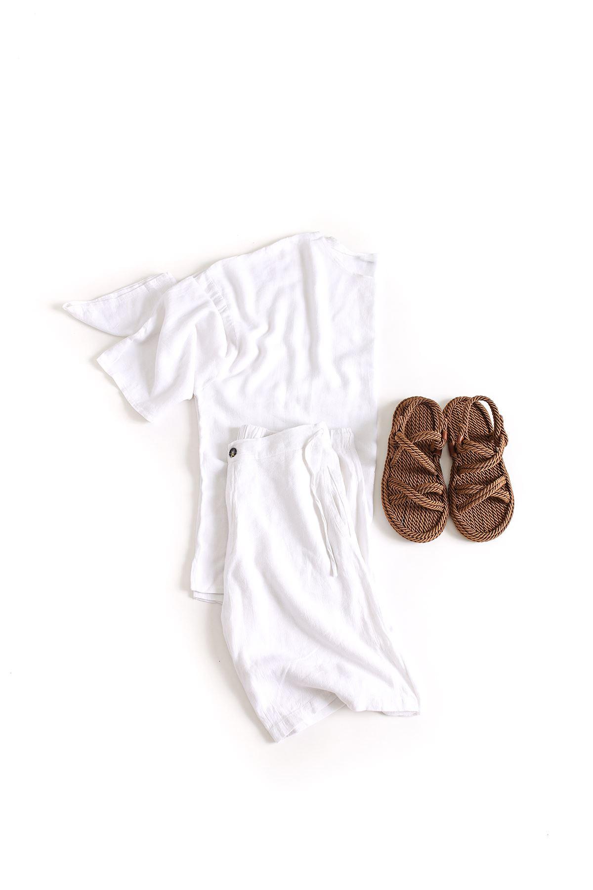 Oversize Fakir Kol Beyaz Keten T-Shirt Beyaz Keten Şort Kombin