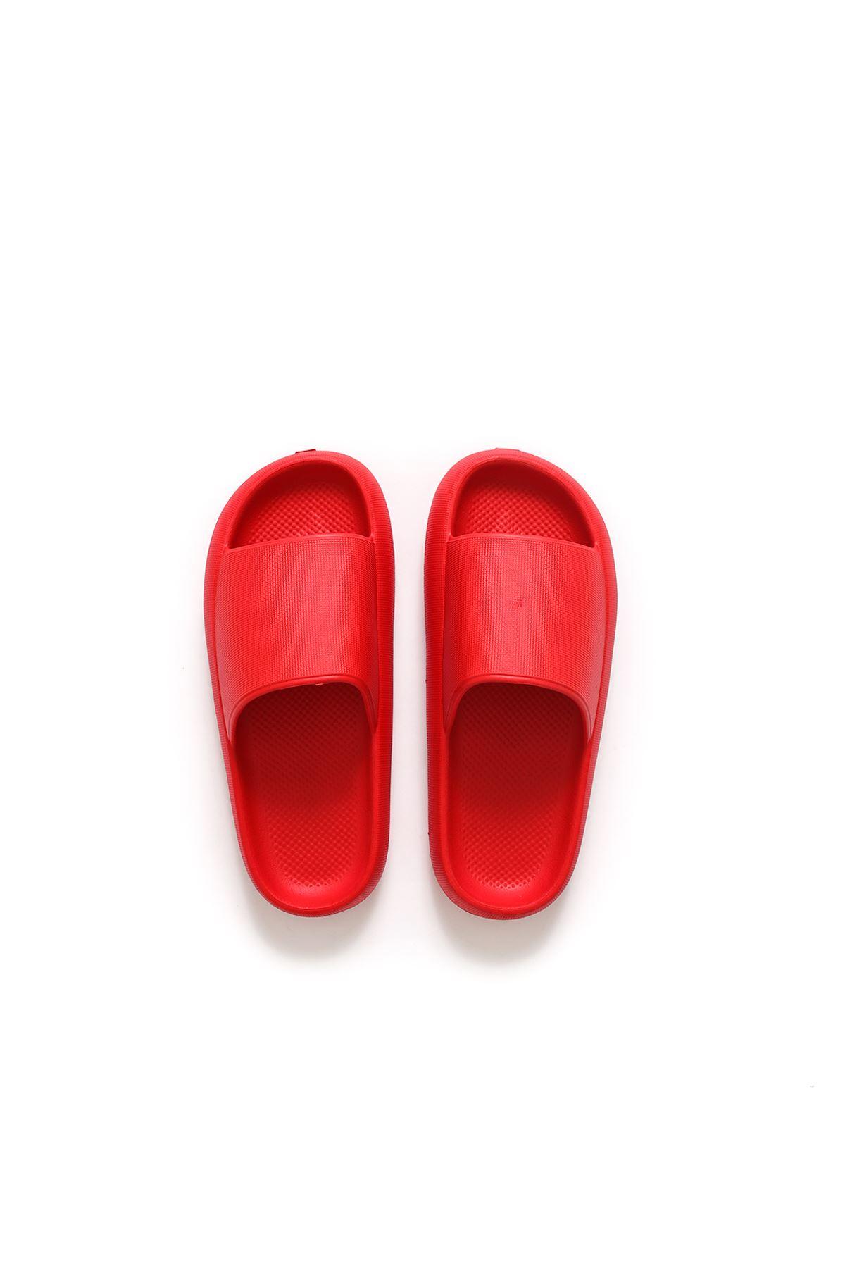 Kırmızı Renk Tek Bantlı Terlik