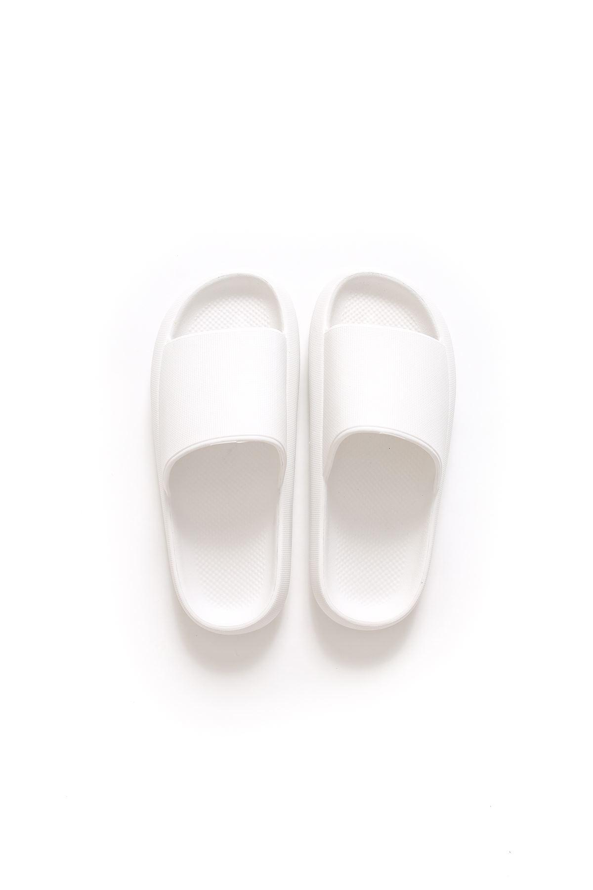 Beyaz Renk Tek Bantlı Terlik
